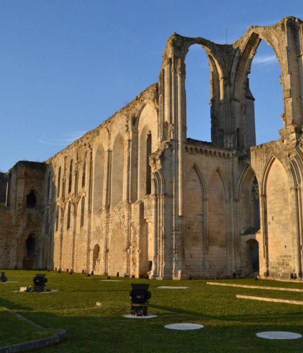 abbaye-de-maillezais-e1498131112166