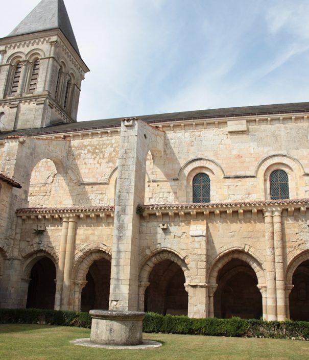 abbaye-de-nieul-IMG_7122